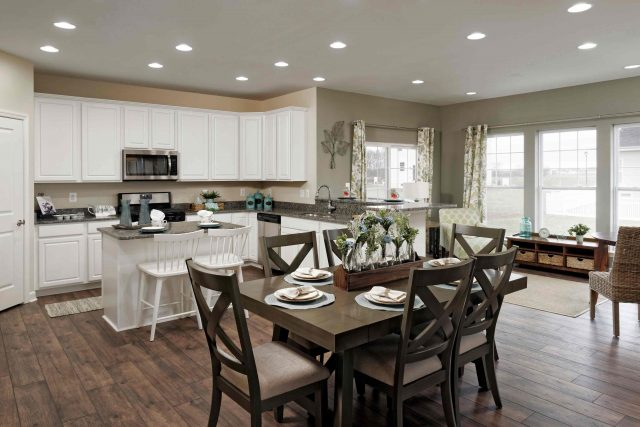 Cedar Model Home: Kitchen - Breakfast Room